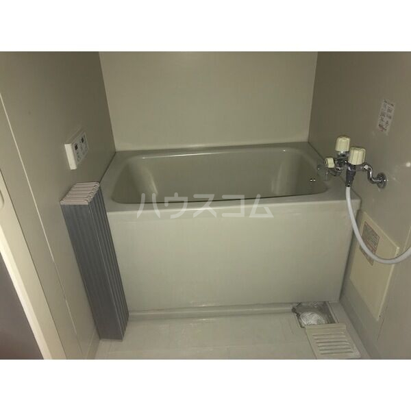 プレジールアマガイAの風呂