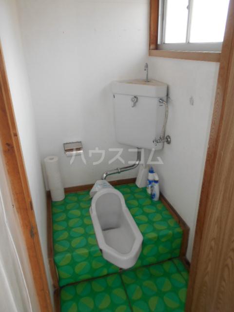 駅裏国見アパート 101号室のトイレ