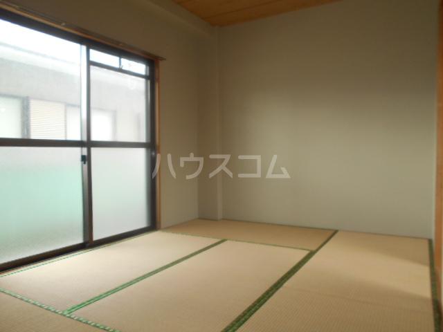 グリーンピュア 202号室の居室