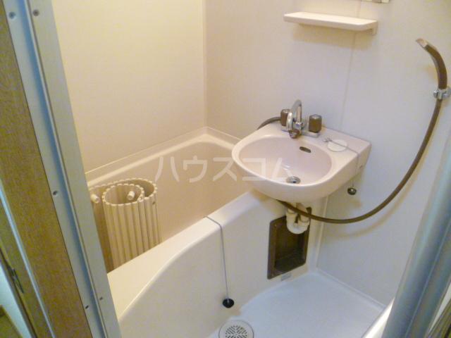 エステートMINABARA 202号室の風呂