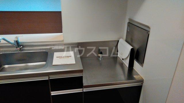 ルミエールB 201号室のキッチン