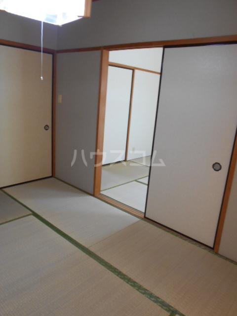 原第5マンション 105号室の居室
