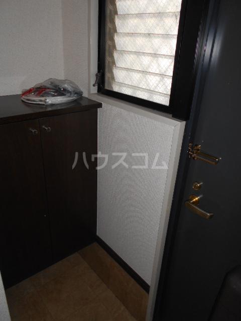 原第7マンション 107号室の玄関