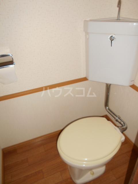春日部レジデンス 102号室のトイレ