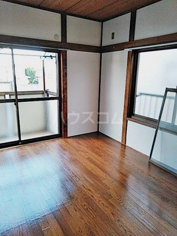 矢部ハイツ A棟 202号室の居室