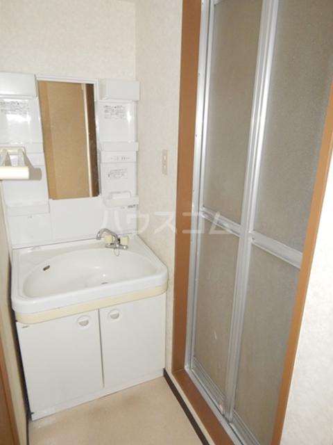 岡安ビル 802号室の洗面所