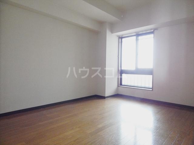 岡安ビル 802号室の居室