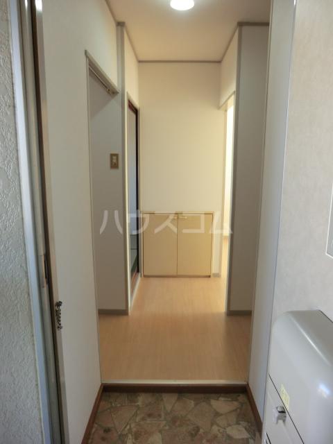 小川コーポ 202号室の玄関