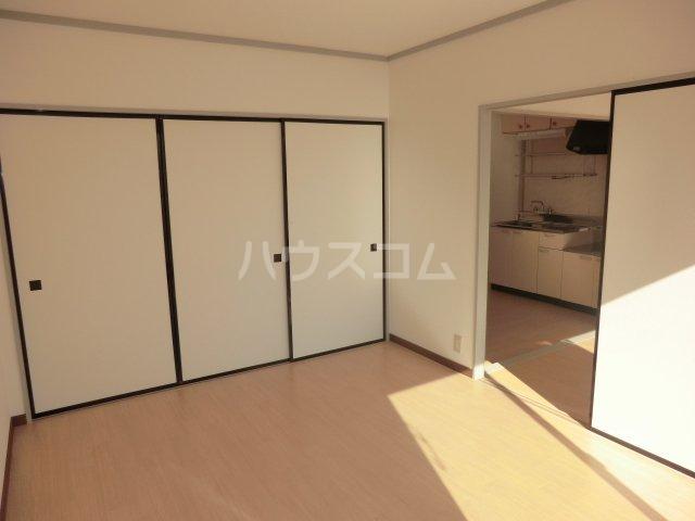 小川コーポ 202号室の居室