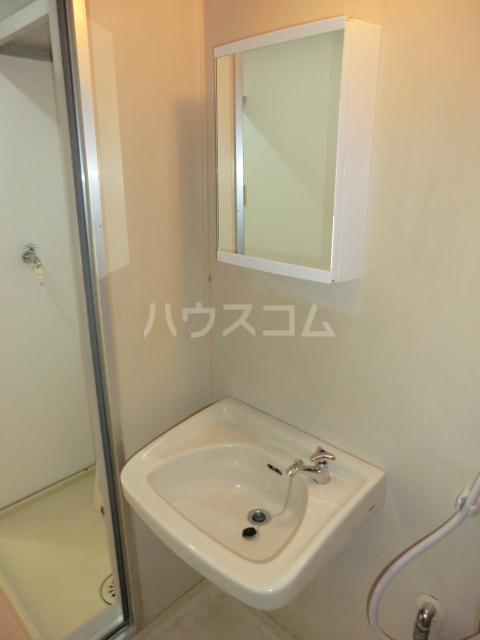 小川コーポ 202号室の洗面所