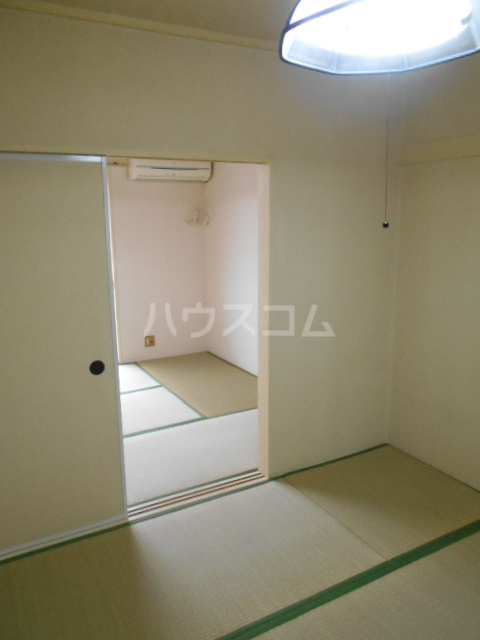 林ハイツ 202号室の居室