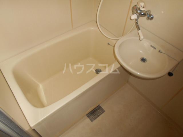 林ハイツ 205号室の風呂