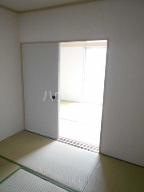 林ハイツ 205号室の居室