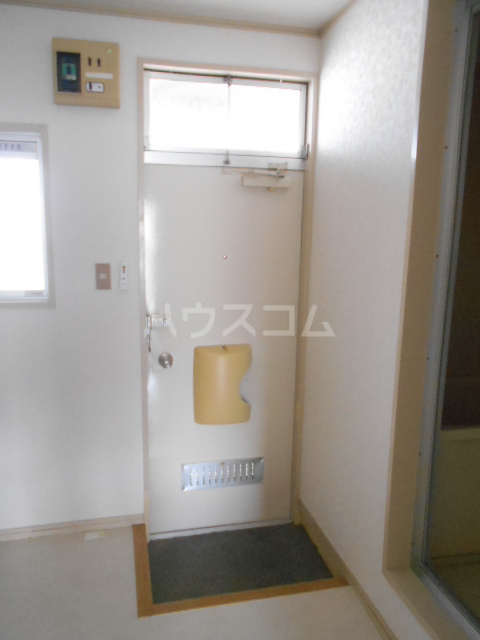 林ハイツ 205号室の玄関