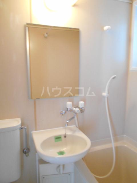 コーポマロン 201号室の洗面所