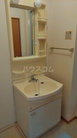 パルテール 102号室の洗面所