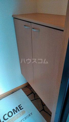 パルテール 102号室の玄関