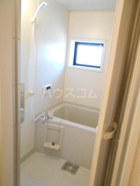 アピエ弐番館 203号室の風呂