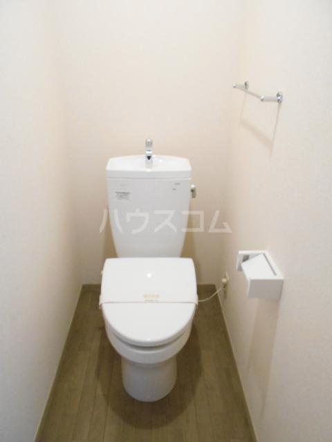 アピエ弐番館 203号室のトイレ