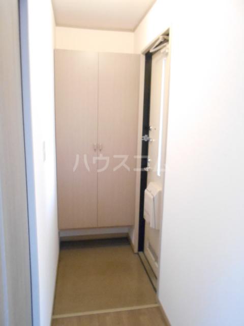 アピエ弐番館 203号室の玄関
