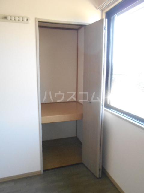 アピエ弐番館 203号室の収納