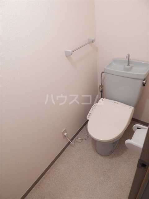 スリーゼハイツ 202号室のトイレ
