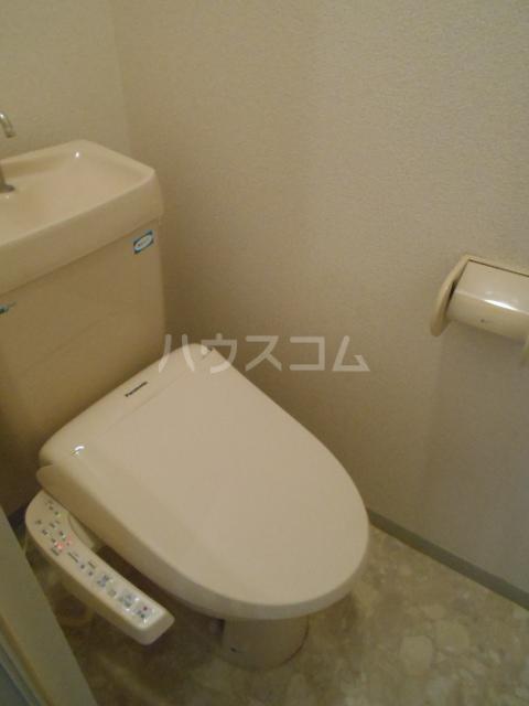 メゾンセピアC 202号室のトイレ