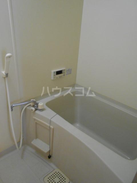 メゾンセピアC 202号室の風呂