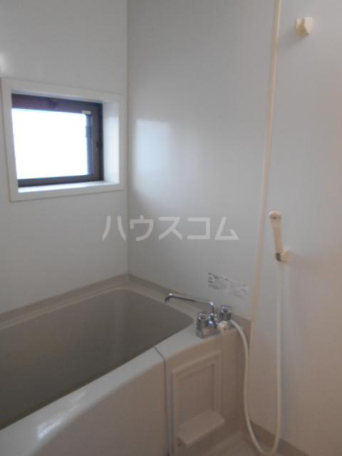 メゾンHOKUSHIN Ⅱ 203号室の風呂