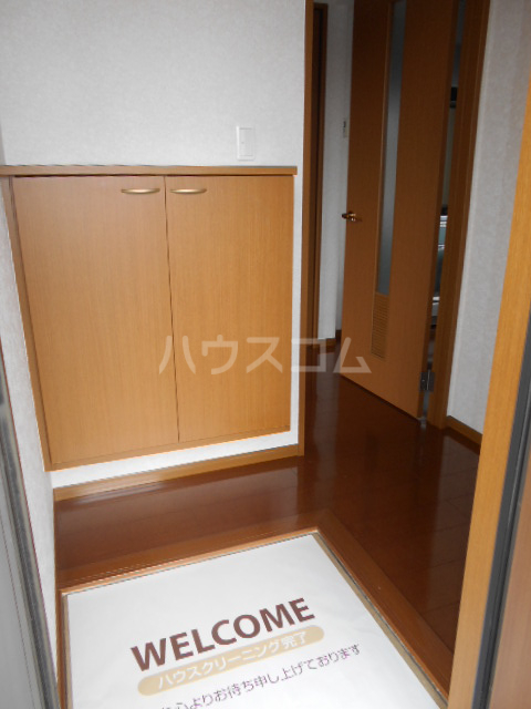 メゾンHOKUSHIN Ⅱ 203号室の玄関