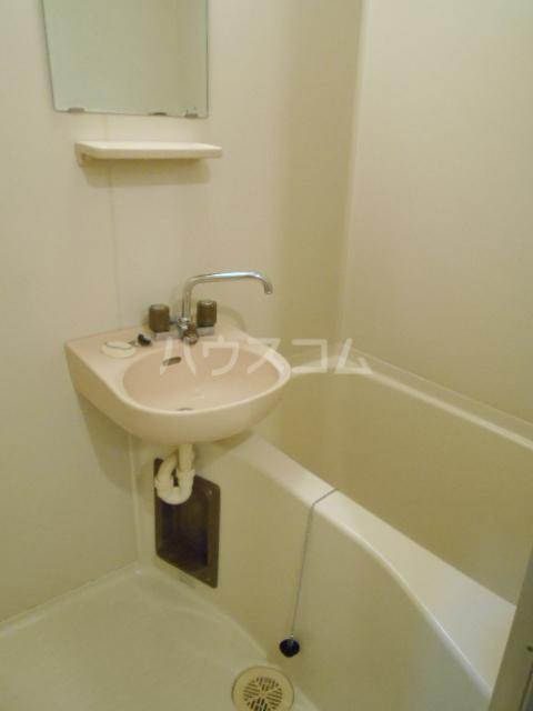 エステートピア島村1 106号室の風呂
