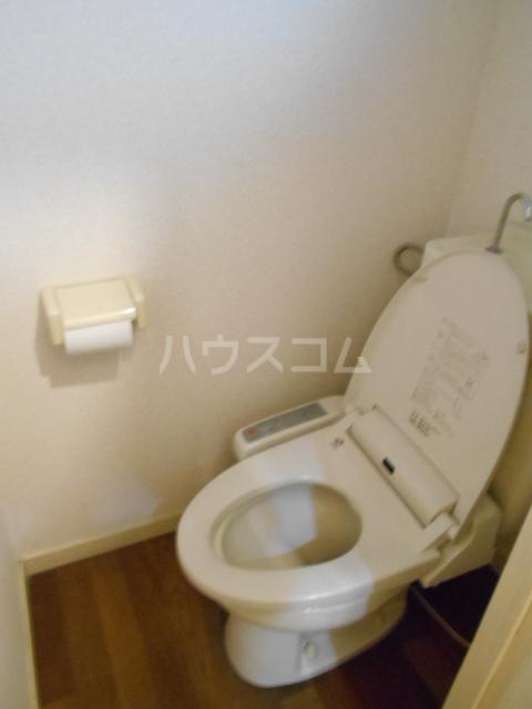 エステートピア島村1 106号室のトイレ