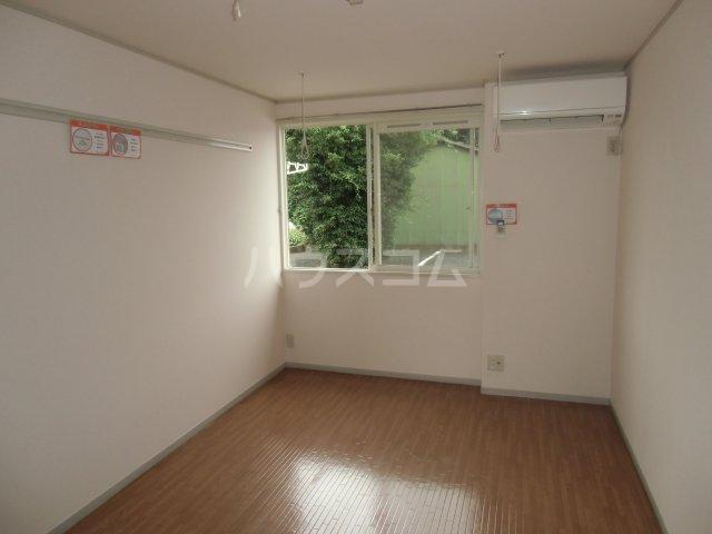 ピュアコート 壱番館 1-103号室のリビング