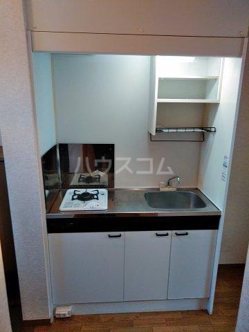 メゾンHOKUSHIN 105号室のキッチン