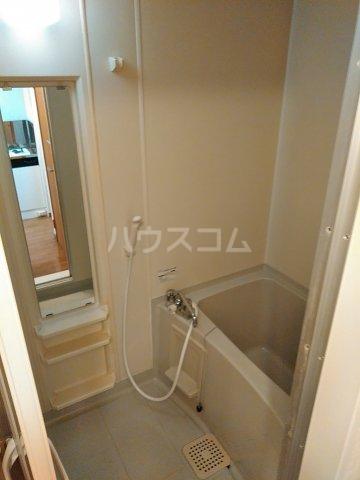 メゾンHOKUSHIN 105号室の風呂