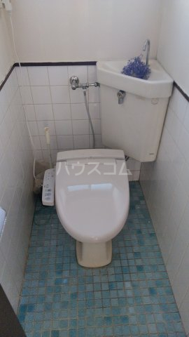 国分アパート C202号室のトイレ