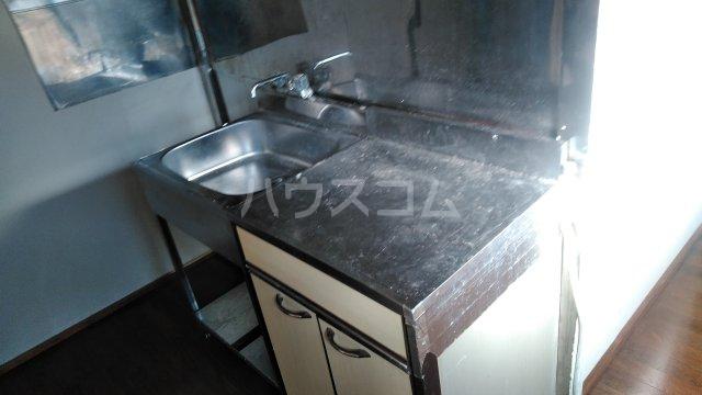 国分アパート C202号室のキッチン