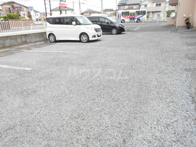 うぇる 401号室の駐車場