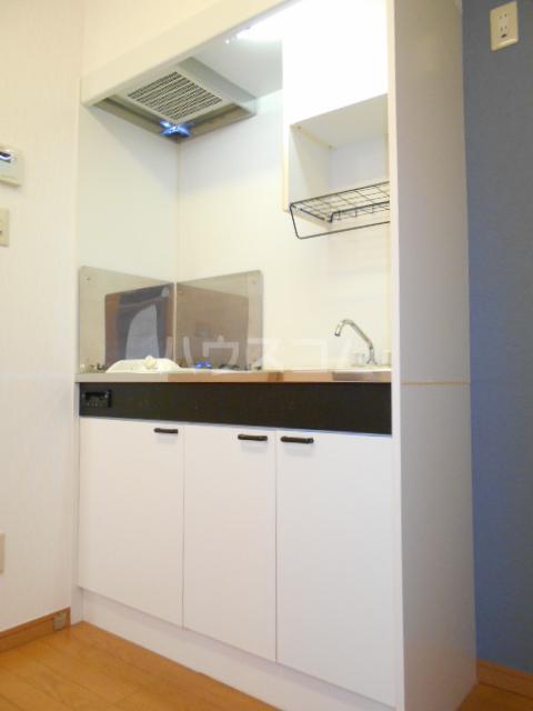 ラヴィエール 103号室のキッチン
