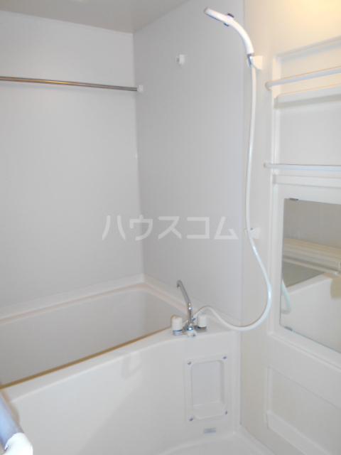 ラヴィエール 103号室の風呂