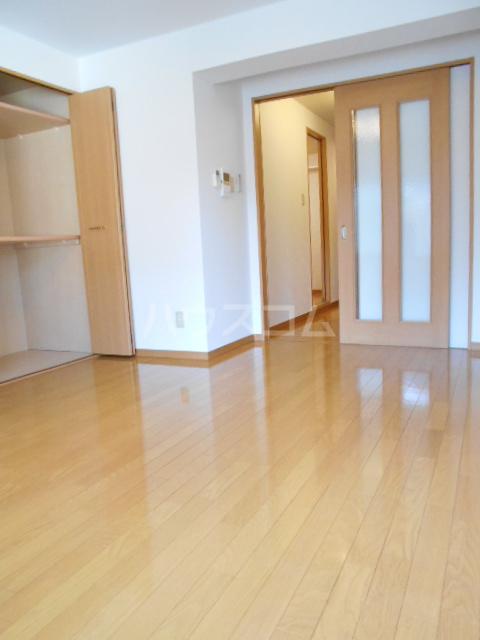 ラヴィエール 103号室の居室