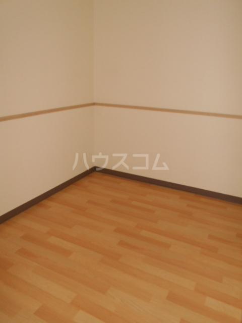 ファインパーク春日部 402号室の居室