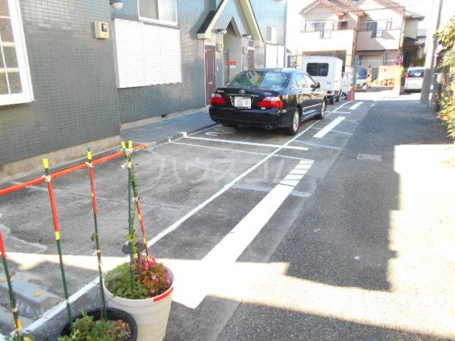 グリーンハイツ稲 101号室の駐車場