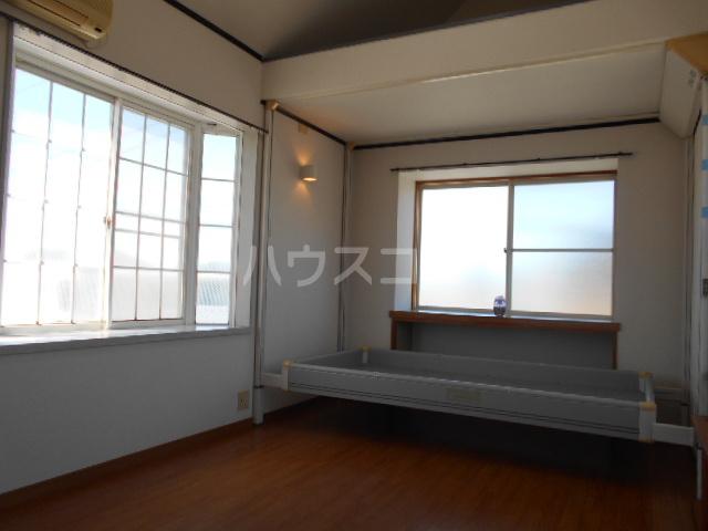 グリーンハイツ稲 202号室のリビング