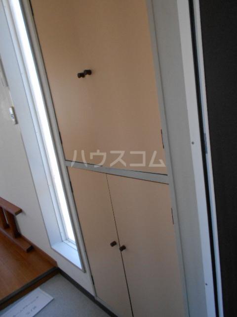 グリーンハイツ稲 202号室の収納