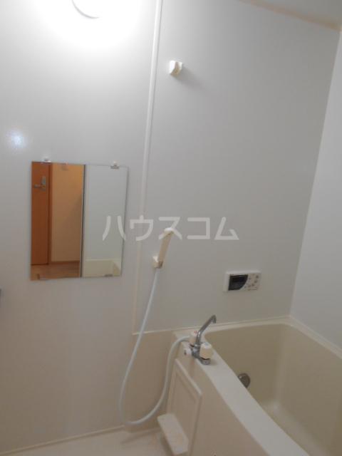 オークヒルズ Ⅱ 302号室の風呂