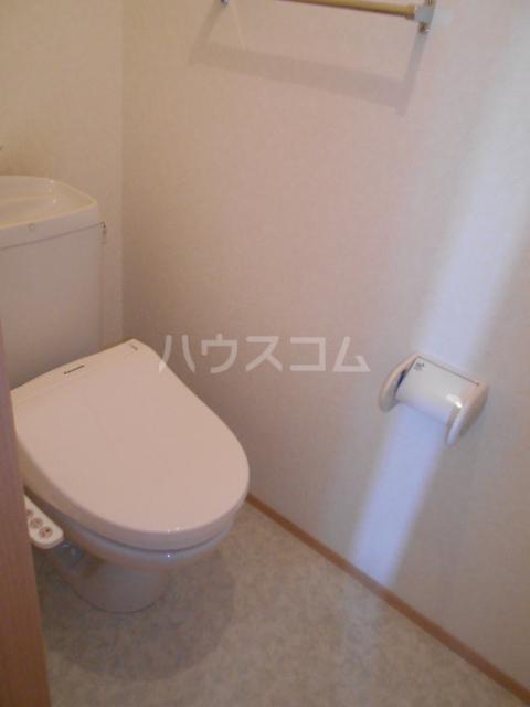 オークヒルズ Ⅱ 302号室のトイレ
