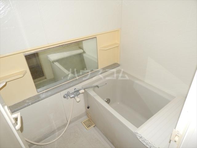 セントラルコート春日部 208号室の風呂