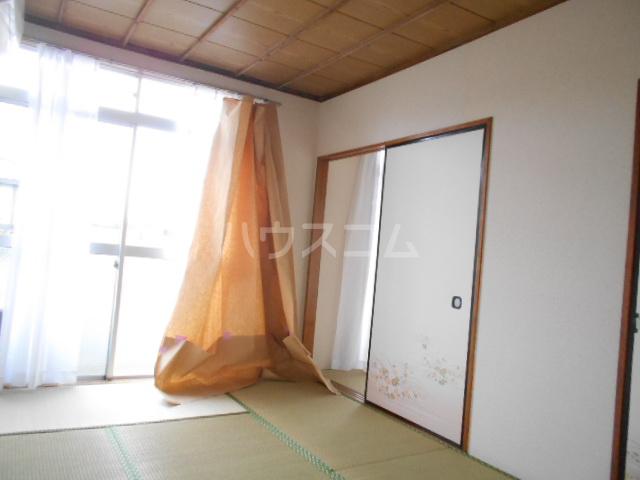 ときわ荘 2-1号室の居室