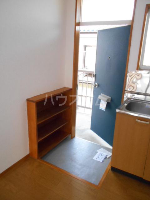 ハウスミニオン 201号室の玄関